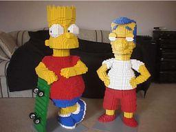 Milhouse, des simpsons, tout en lego