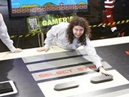 Un nouveau record: la manette de NES la plus grande du monde