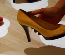Un affichage interactif pour vendre des chaussures