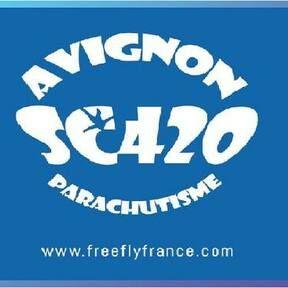 Avignon Parachutisme SC420 Record de France de Freefly