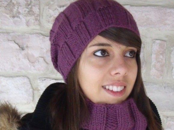 Gestrickte Schals und Mützen verkaufen sich bei DaWanda gut. Quelle: DaWanda.com