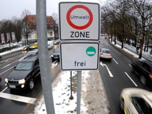 Umweltzonen gelten seit drei Jahren in verschiedenen deutschen Städten, so wie hier in Hannover. © Nigel Treblin/ dapd.