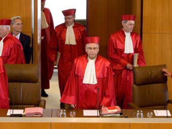 Kaum eine Institution genießt so hohes Ansehen in der Bevölkerung, wie das Bundesverfassungsgericht in Karlsruhe. Heute wird es 60 Jahre. /Foto: © Michael Latz /dapd.