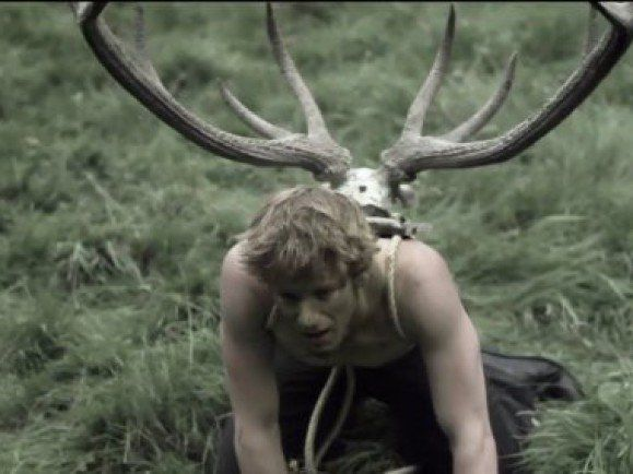 """Ganz schön okkult: Foto: © Screenshot aus """"Maniac"""" von der Webseite von Clap Your Hands Say Yeah / Director: Pieter Dirkx / Label: Wichita Recordings."""