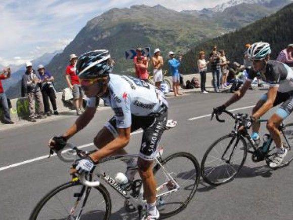 Wird die Tour de France je wieder ein sauberes Rennen? Hier eine Szene von 2011 mit Alberto Contador (links). Noch bis zum 5. August ist er wegen Dopings gesperrt. Danach will er wieder Radrennen fahren. © Christophe Ena/dapd.