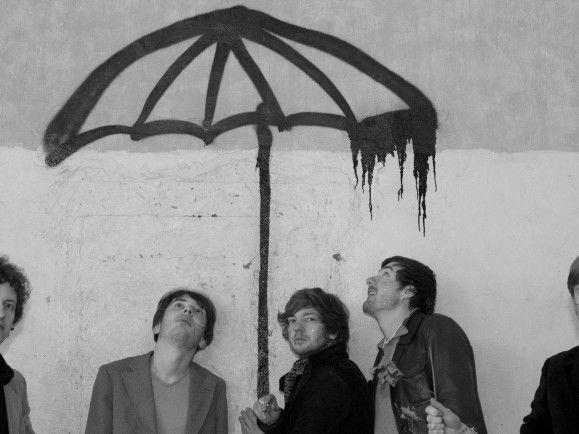 """Regenverliebt? Die erste Single """"Cows, Cars, Ships"""" von der neuen The Mouse Folk-EP beginnt auch mit Tröpfelgeräuschen."""