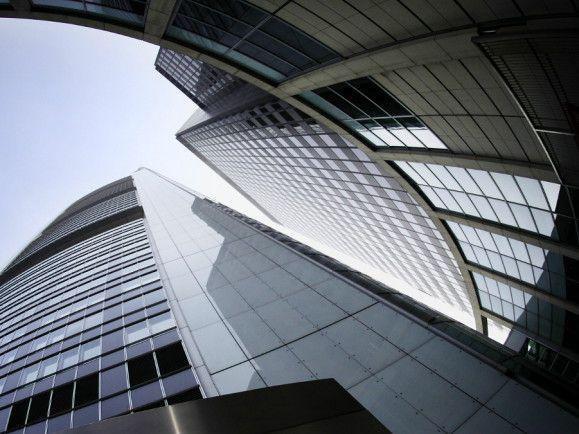 Hoch und höher - die Wolkenkratzer der Banken. / Foto: © Martin Oeser/dapd
