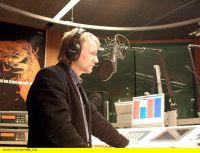 Seinen ersten Ferienjob beim Radio hatte er mit 18, war später beim inzwischen Kult gewordenen DT64 und ist nun seit 11 Jahren Redakteur und Moderator des »Medienmagazins« von Radioeins. 2006 erhielt Jörg Wagner den Bert-Donnepp-Preis für Deutsche Medienpublizistik der Freunde des Adolf-Grimme-Preises. (Bild: RBB/Wagner)