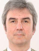 Er ist Experte für Ölförderung in Potsdam.