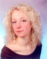 Sie ist wissenschaftliche Mitarbeiterin am Institut für Psychologie an der Universität Mainz.
