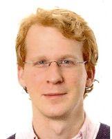 Er ist Korrespondent der Süddeutschen Zeitung in New York.