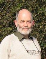 Er ist Professor an der University of Cambridge und leitet dort den Bereich für emotionale Robotik.