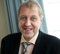 ist Professor für Makroökonomie und seit Anfang 2008 Leiter der Abteilung Konjunktur am DIW Berlin.
