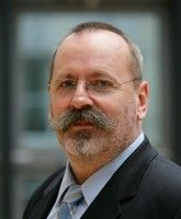 ist Vorsitzender des Bundes deutscher Kriminalbeamter.