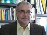 ist Entwicklungssoziologe an der Universität Bayreuth und Ost-Afrika-Experte.
