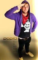 führt natürlich auch das Leben eines Popstars - und macht gutes Musikfernsehen bei Pop10.