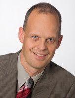 Sebastian Köhler ist Professor an der Hochschule für Medien Kommunikation und Wirtschaft in Berlin und betreibt ein Blog zur Medienpolitik.
