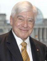 überwachte als »Hoher Repräsentant für Bosnien und Herzegowina« 2006 und 2007 das Friedensabkommen von Dayton.