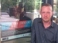 ist Kurator und Dramaturg des Festivals »Über Lebenskunst« in Berlin.