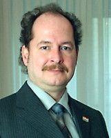 ist Leiter des Auslandsbüros der Konrad-Adenauer-Stiftung in Warschau.