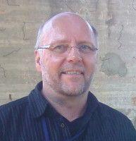 ist Koordinator von »Facing Finance« und kritisiert das geplante neue Streumunitionsabkommen.