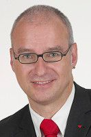 ist rentenpolitischer Sprecher der Bundestagsfraktion Die Linke.