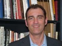 2006 veröffentlichte er die Wulff-Biographie «Der Marathonmann».