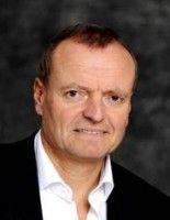 ist Neurowissenschatler und ärztlicher Direktor der Psychiatrischen Universitätsklinik Ulm.