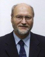 ist Vorsitzender des Bayerischen Philologenverbandes.