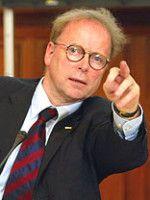 lehrt an der Uni Bonn Politikwissenschaften.