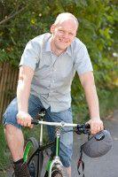 Journalist, Autor und Fahrradfahrer.