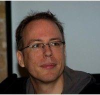 ist Netzaktivist und Mitbegründer der Anti-ACTA-Bewegung