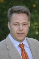 ist Oberarzt der Kopfschmerz-Ambulanz am UKE in Hamburg.