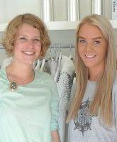 Modereporterin Victoria Kau und Designerin Elin Tveitan.