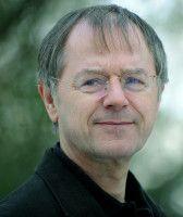 Geschäftsführender Direktor des Instituts für Vergleichende Bildungsforschung und Sozialwissenschaften.