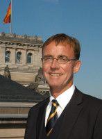 arbeitet für den Deutschen Städte- und Gemeindebund.
