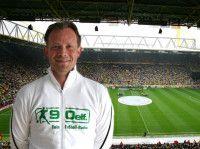 kommentiert u.a. für Radio Duisburg und 90elf die Spiele des MSV.