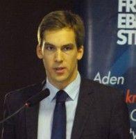 lebt und arbeitet zurzeit für die Friedrich-Ebert-Stiftung in Istanbul.