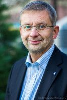 ist Leiter des Fachbereich Psychologie an der Universität Frankfurt.