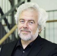 ist Professor für Neuere deutsche Literatur an der Universität Mannheim und Autor des Buches «Gott - Geld - Medien».