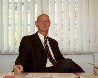 leitet die Börsenaufsichtsbehörde in Frankfurt am Main.