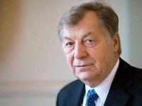 war von 1991 bis 2001 Regierender Bürgermeister von Berlin.
