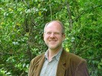 ist Professor für Ökosystemkunde und Pflanzenökologie an der TU Berlin.