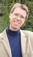 Professor für Musikwirtschaft an der Universität für Musik und Darstellende Kunst Wien