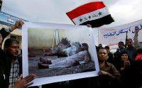 protestieren gegen die Behandlung Inhaftierter durch britische und U.S. amerikanische Soldaten. Foto: SABAH ARAR/AFP