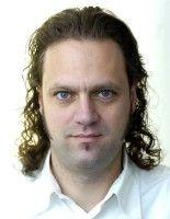 ist Pressesprecher des Jugendministeriums Brandenburg.
