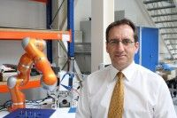 Michael Kuhl, Oberingenieur für Forschung und Entwicklung am Fraunhofer Institut für Werkzeugmaschinen und Umformung