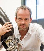 Robert Riener. Professor für Sensomotorische Systeme und Organisator des ersten Cybathlon. Foto: Riener