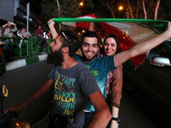 Jubel im Iran nach dem Durchbruch bei den Atomverhandlungen im Juni 2015. Foto: Atta Kenare / AFP