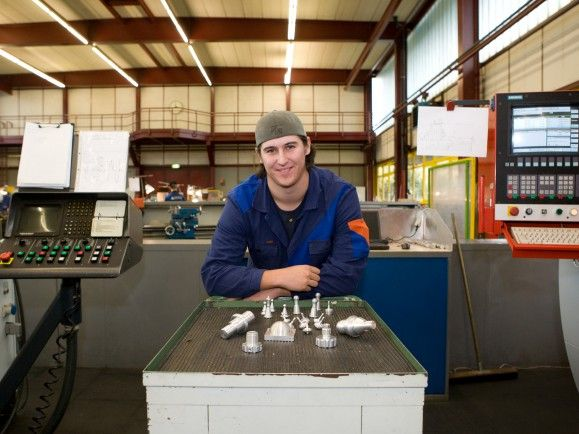 industrie arbeiter in fabrik - flickr zukunft industrie - cc by nd 20